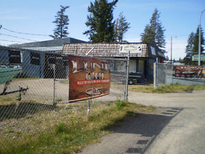 Large Commercial building with locked compound Williams Lake Cariboo Area image 4