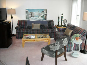 VERY CUTE FULLY FURNISHED EXECUTIVE ONE BEDROOM PLUS DEN SUITE
