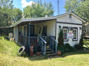Convenience, Affordability, Upgrades - 2 Bedrooms Trailer Home.