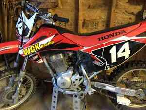 Honda 07 CRF 150F dirt bike