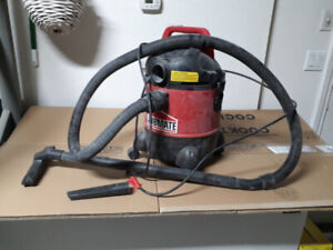 Wet / Dry Shop Vac - JobMate brand
