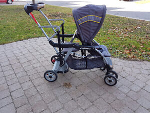 Stroller/double/single in almost new condition $80 West Island Greater Montréal image 3