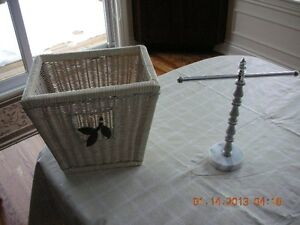 BEAUTIFUL WASTE BASKET AND FINGER TOWEL HOLDER