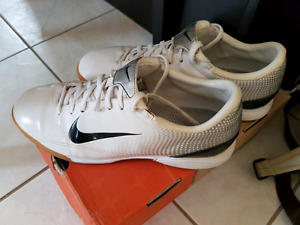 Nike Indoor Socce Shoes US 9