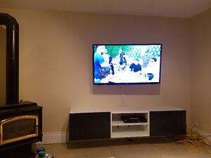 """Like new 46"""" samsung led tv Cambridge Kitchener Area image 1"""