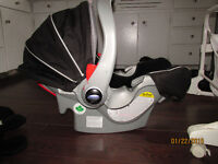 Graco Infant Carseat/Carrier & Base