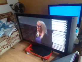 Hitatchi 65 inch plasma tv £250 ono