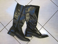 Winter boots size 8.5 black