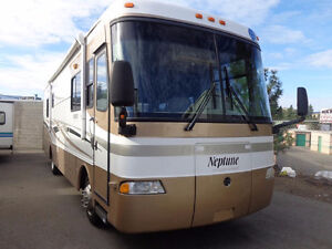 BEAUTIFUL 2005 MOTOR HOME 34 FT.