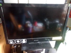 "32"" emerson  flat screen"