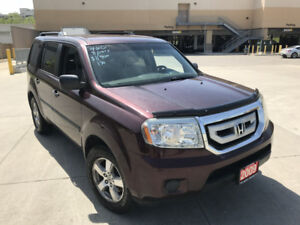 2009 Honda Pilot,  Low Km,  4WD,  8 Pass, 3/Y warranty available