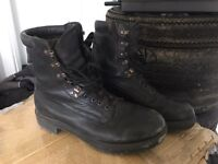Para boots - Size 11