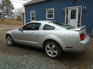 NEW MVI 2005 Ford Mustang v6 Coupe (2 door)