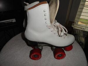 Women's White Roller Skates Size 8 - Great Condition!