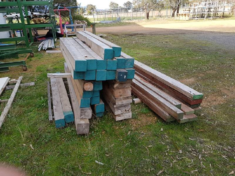 RedGum Posts - Cheap Price - Never used