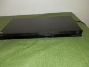 Sony BDP-S370 Blu-ray Disc Player with Remote