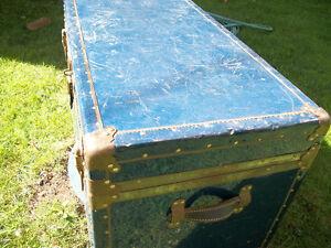 Blue Antique chest London Ontario image 5
