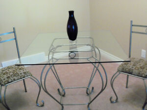 ****BEAUTIFUL DINING TABLE SET WITH ELEGANT GLASS ACCENT**** Stratford Kitchener Area image 3