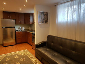 EXECUTIVE Furnished 1Bedroom +Den apartment Toronto-from JUL