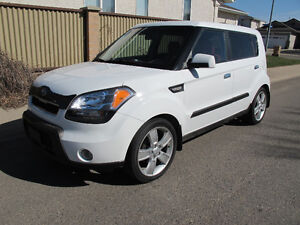 2010 Kia Soul 4U Burner Hatchback - only 121000kms