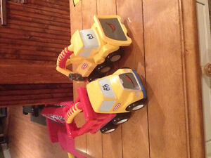 Camions, auto et autobus Little peoples