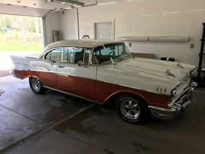 1957 Chevrolet Bel Air/150/210 Pearl/Copper Hardtop (2 door)