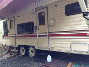 1986 Terry 29ft Camper/5th wheel.