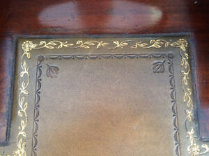 Beautiful Antique English Desk and Chair Peterborough Peterborough Area image 9