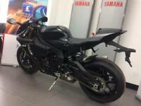 YAMAHA R1 IN BLACK NEW