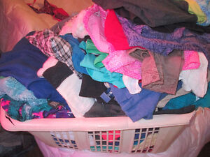 selling huge bag of plus size womens clothing size xl- 2x