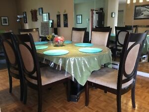 Oval large dining table with 6 chairs