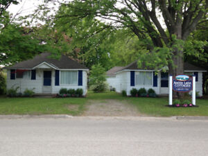 Port Elgin Family Cottage, A/C, WIFI, walk to the beach!