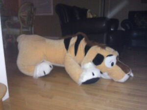 """Lion, stuffed lions, very large, 55"""" long and 24"""" high and 40x17 London Ontario image 3"""