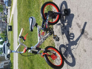 "16"" Razor bike (with training wheels)"