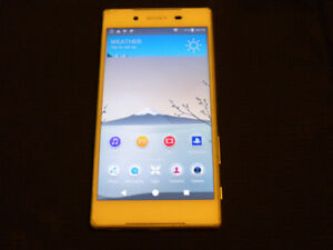 Sony Xperia Z5 Unlocked small cracks and dents but works great