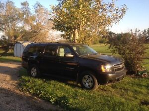 Price reduced...For Sale: 2010 Suburban..135,000km