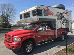 Dodge Ram 3500 Diésel avec campeur