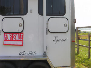 2horse   equest air ride   with living quarters,