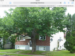 Heated 2 bedroom apt near Dumont and Ude M