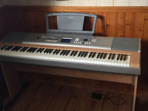 Yamaha portable Grand DGX-630