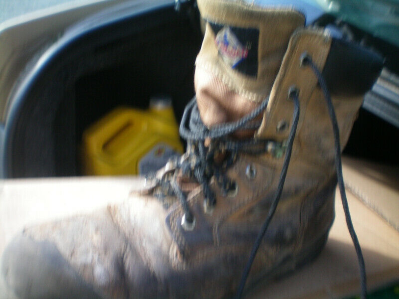 Like new men's work boots