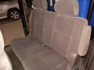 Toyota 2002 grey cloth seats - 2nd and 3rd row