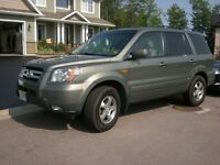 ***2007 HONDA PILOT EXL 4X4 LOW KM & VERY WELL-MAINTAINED***