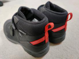Keen waterproof Boots size 2 - Never Worn