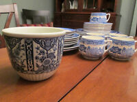 Lovers of Blue and White - Willow & Delft