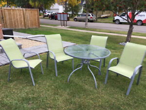 Picnic Table and set of 4 Chairs