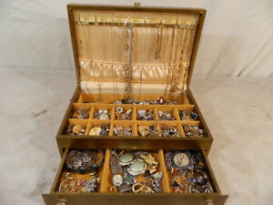 Buying old Jewelry and coins