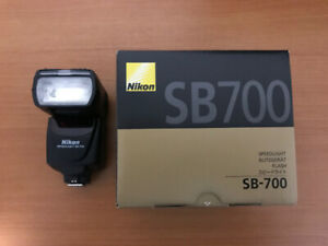Nikon SB700 Flash unit - MINT condition