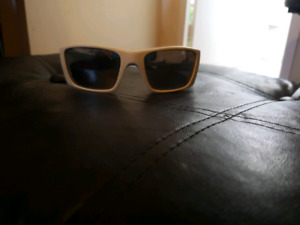 Oakley sunglasses/men's fuel cell