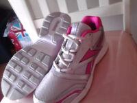 BACK TO SCHOOL Reebok running shoes
